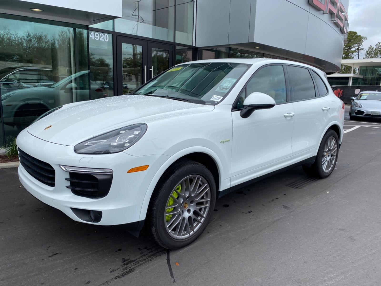 Certified Pre-Owned 2018 Cayenne S Platinum Edition E-Hybrid